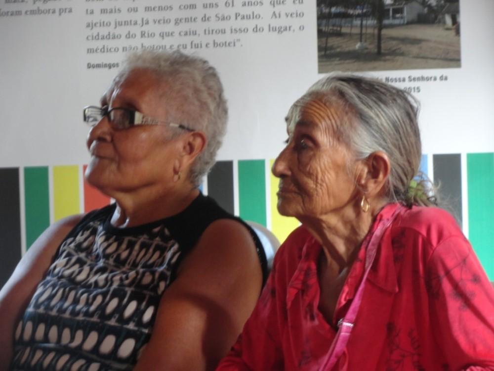 Da esquerda para direita:  A Sra  Joana Serejo Moraes, professora da comunidade de Canelatiua e a Sra Maria de Gogó, pajoa da comunidade de Bom Viver.