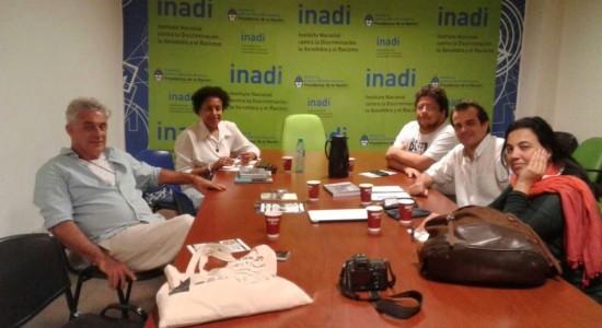 Reunião de trabalho para discutir a oficina de mapas com a Sociedad Caboverdeana de Dock Sud, Buenos Aires