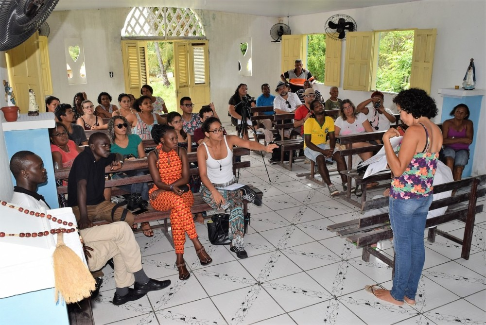 Quenianos na reunião preparatória para realização de oficina de mapas em Canelatiua